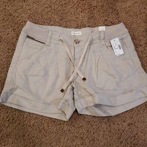 NWT Maurices Linen Khaki shorts Size 5/6